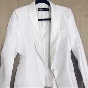 Zara white tuxedo jacket with lapel, size M, NWT